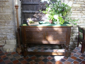 Jacobean chest sept 20th 09